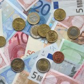 Euro_coins_and_banknotes dienstbare economie